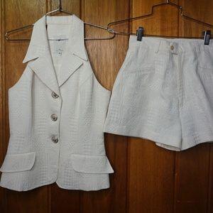 Vertigo Pour La Ville White Suit Collar Sleeveless
